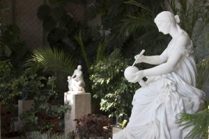 Зимний сад Воронцовский дворец Статуя девочки